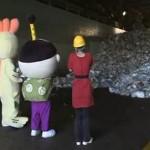 Um guia em vídeo sobre a separação de resíduos plásticos e de papel recicláveis